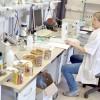 Изготовители превращают тушенку в фарш