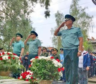Томичи почтили память погибших 22годаназад курсантов училища связи