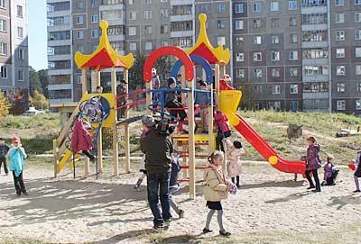 В этом году Северск получил в подарок от СХК и Топливной компании «ТВЭЛ» 20 современных детских площадок