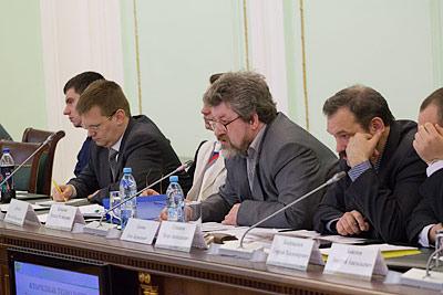 Ученые были единодушны и оптимистичны: в области химических технологий у России сейчас существует реальная возможность перейти от традиционной продажи сырья к его высокотехнологической переработке на месте