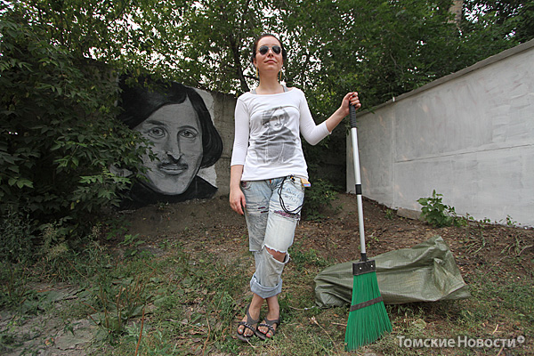 Улицу Гоголя предполагается превратить в арт-объект.  Начало было положено в пятницу: одну из стен украсил портрет классика