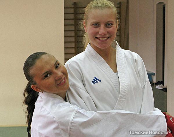 Ольга Малофеева (справа) и Евгения Подбородникова уже осенью отправятся доказывать мастерство на международных соревнованиях. В сентябре они выступят на этапе Кубка мира в Стамбуле, в ноябре – на финале Кубка в Париже