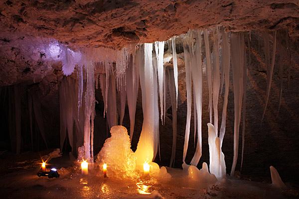И. Вяххи, Санкт-Петербург. Ледовые пещеры в Карелии