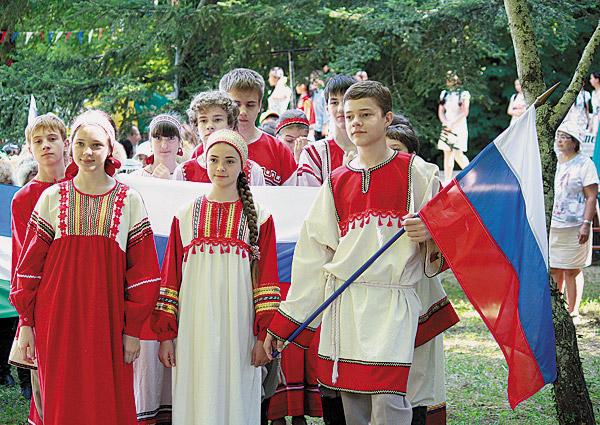 За 19 лет школа Валентины Генераловой обучила 14 вы-пусков: около 40 хормейстеров.
