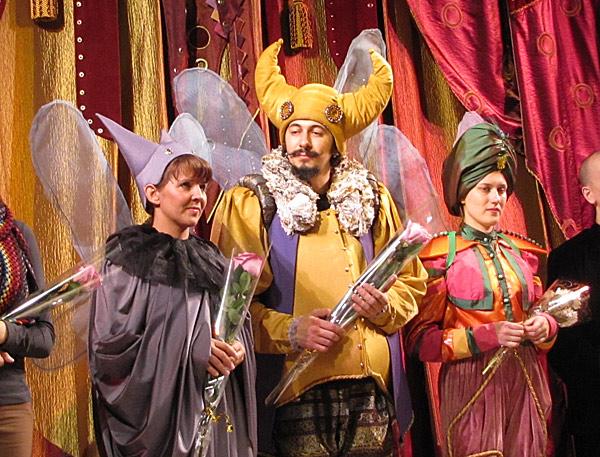 Статья: Вгрядущем сезоне томские театры будут ставить спектакли наденьги российских миллиардеров. Теги: ТЮЗТеатр Скоморох премьера
