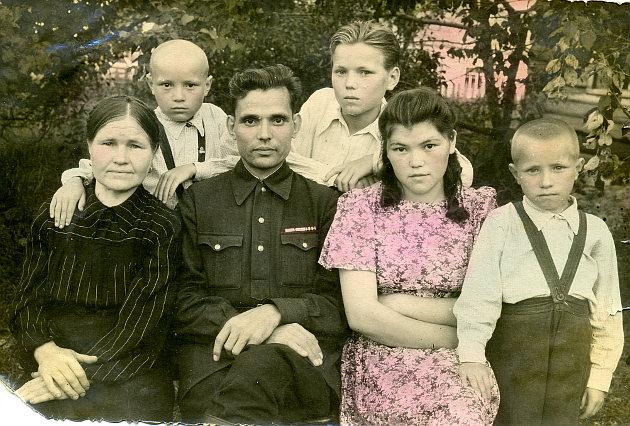 Дедушка Голиковой