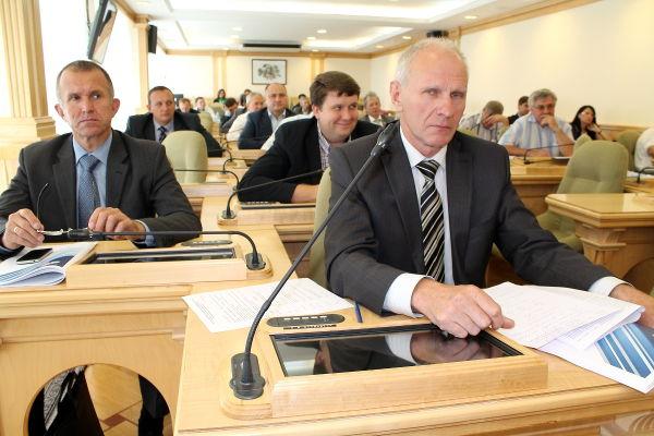 Вопрос о реализации госпрограммы «Чистая вода Томской области на 2012–2017 годы» рассматривали представители сразу двух комитетов областной Думы – бюджетно-финансового и по экономической политике