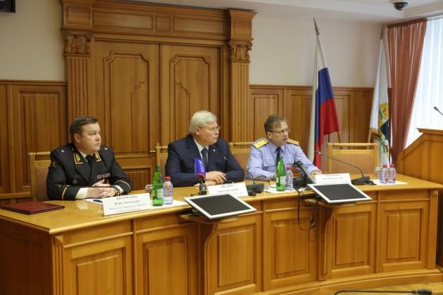 Фото: http://tomsk.gov.ru/ru/press-centr/press-relizy/news_item/-/novost-gubernator-mer-i-siloviki-rasskazali-o-rassledovanii-ubiystva-trehletney-devochki-i-usilenii