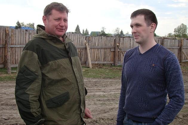 Главе района Игорю Клишину (слева) есть что обсудить с молодым предпринимателем Иваном Синкиным