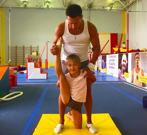 голоцуцков с дочкой