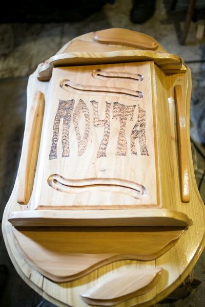 Вот таким красивым и оригинальным может быть обыкновенный почтовый ящик. Он не боится осадков и жаркого солнца
