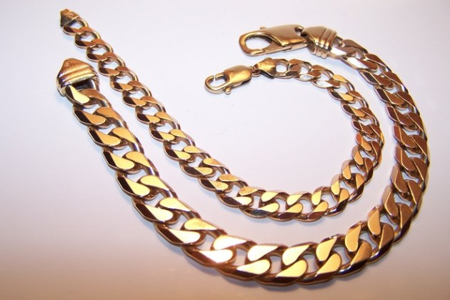 2-gold-chains-1-1527608