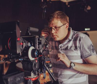 Постпродакшн (англ. Postproduction) – период обработки видеоматериала после съемок эпизодов фильма, подготовка и изготовление компьютерных объектов, редакция, монтаж, озвучивание и обработка материала фильма.