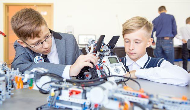 Проект «Школьный технопарк» реализуется внескольких городах России, втом числе ивСеверске. Он не просто знакомит школьников ссовременными технологиями, ноиформирует уних исследовательскую жилку