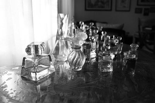 perfumes-1171391__340