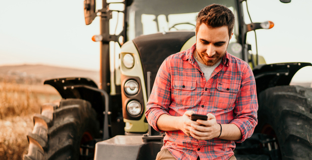 Россельхозбанк рассказал о растущей роли технических навыков на рынке профессий АПК