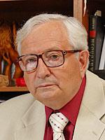 Ростислав Карпов, директор ФГБУ «НИИ кардиологии» СО РАМН, академик РАМН, профессор