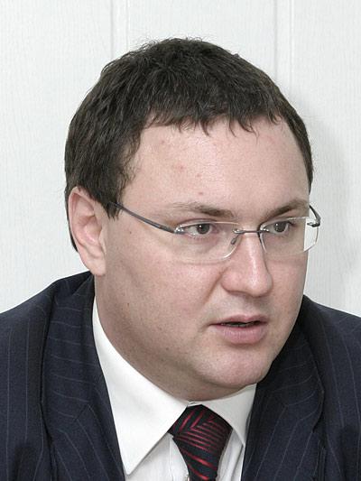 Молотков-Денис