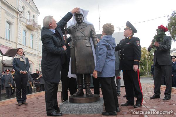 Открытие памятника 2