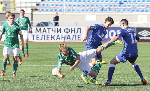 «Томь» 20 лет не проигрывала в сибирском дерби. Томские футболисты и на этот раз старались изо всех сил, но пропустили решающий гол на последних минутах