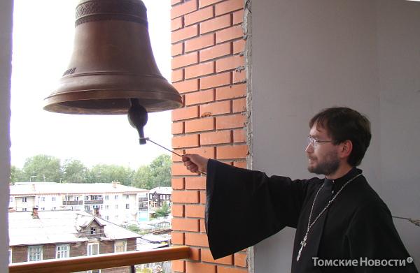 храм Колпашево колокольня