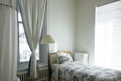 bedroom-690129__340